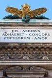 Doppeltes ging Adler auf österreichischem britischem Palast voran Lizenzfreies Stockfoto