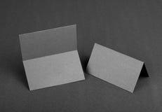 Doppeltes versah Visitenkarte mit Seiten stockfoto