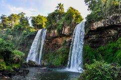 Doppia cascata, le cascate di Iguazu, Argentina Fotografia Stock
