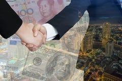 doppia esposizione degli accordi commerciali di affari internazionali fotografia stock libera da diritti