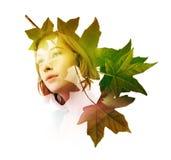 Doppia esposizione della donna con le foglie dell'albero Fotografia Stock Libera da Diritti