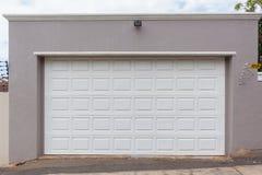 Doppia porta del garage Fotografie Stock