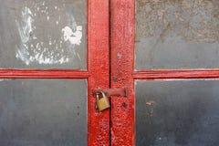 Doppia porta rossa con vetro Immagini Stock Libere da Diritti