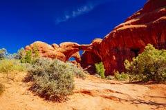 Doppio arco in arché parco nazionale, Utah, U.S.A. Fotografia Stock