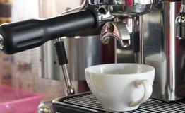 Doppio caffè espresso pronto Fotografia Stock Libera da Diritti