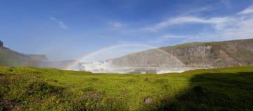 Doppio Rainbow sopra la cascata Islanda di Gullfoss Immagine Stock