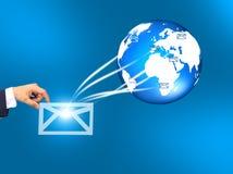 doręczeniowe ręki mail świat Zdjęcia Stock