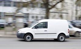 Doręczeniowy samochód dostawczy Obrazy Royalty Free