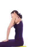 Dor do ombro das jovens mulheres imagens de stock
