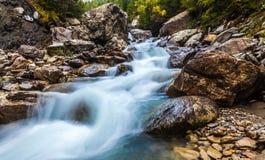 Dora Di Ferret River, Val Veny, Italien Stockfotos