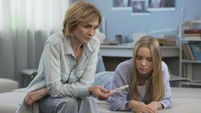 Dorastająca brzemienność, nastolatek potrzebuje rodzica poparcie, brak zrozumienie zbiory