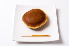 Dorayaki - söt japansk traditionell röd-böna royaltyfri foto