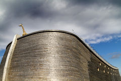 Feche acima da arca e do girafa de Noahâs Imagem de Stock