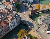 Dordrecht, Pays-Bas - octobre 2018 : Vue d'en haut du pont et du Lange Geldersekade de Louvain photos stock