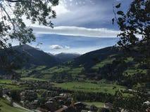 Dorf in Österreich, Fall Lizenzfreie Stockfotografie