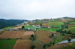 Dorf auf Berg Stockbilder