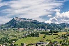 Dorf auf einem Hügel in Rimini Lizenzfreie Stockfotos