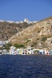 Dorf auf Milos Island, Griechenland lizenzfreies stockbild