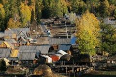 Dorf Baihaba im Herbst Lizenzfreies Stockfoto