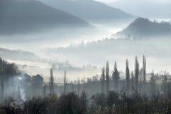 Dorf, Berge stockfotos