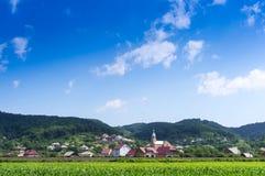 Dorf in den Bergen Stockfoto