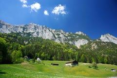 Dorf in den Deutschland-Alpen Stockbild