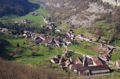 Dorf in der Schlucht Stockfotografie