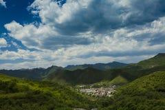 Dorf in Gebirgspeking-Porzellan Lizenzfreie Stockfotografie