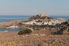 Dorf gelegen auf einer schönen Strand Bucht im portu Stockfotos