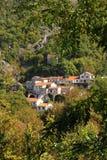 Dorf Godinje stockbild