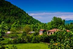 Dorf-Häuser auf türkischer Landschaft Stockbild