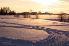 Dorf im Winter lizenzfreies stockbild