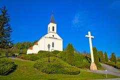 Dorf-Kirchenansicht Veliko Trgovisce, Zagorje-Region von Kroatien Lizenzfreie Stockbilder