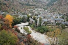 Dorf in Lozere stockfotos