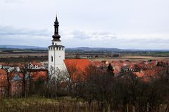 Dorf mit Kirche Stockbild