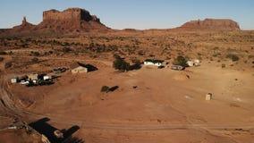 """Dorf nahe dem Oljato†""""Monument-Tal in Arizona Ranch hou lizenzfreie stockfotografie"""