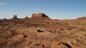 """Dorf nahe dem Oljato†""""Monument-Tal in Arizona Ranch hou stockfoto"""