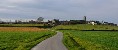 Dorf nahe Mont-Heiligem Michel lizenzfreies stockbild