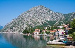 Dorf Orahovac Kotor-Bucht, Montenegro, adriatisches Meer Lizenzfreie Stockfotografie