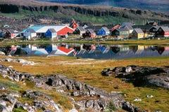 Dorf Qekertarsuag auf Disko-Insel, Baffinbucht, Grönland lizenzfreies stockfoto