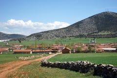 Dorf und Berg, die Türkei Lizenzfreie Stockfotos