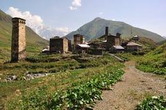 Dorf Usghuli in Svaneti, Georgia Lizenzfreie Stockfotos