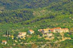 Dorf von alten Steinhäusern Stockfotos