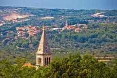 Dorf von Ansicht Nerezisca und Donji Humac Stockbilder