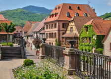 Dorf von Bergheim in Elsass Stockbild