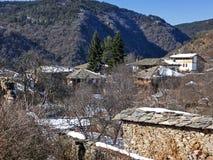 Dorf von Kovachevitsa mit authentischen Häusern des 19. Jahrhunderts, Blagoevgrad-Region Lizenzfreies Stockfoto