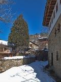 Dorf von Kovachevitsa mit authentischen Häusern des 19. Jahrhunderts, Blagoevgrad-Region Stockbilder