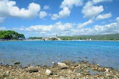 Dorf von Osor, Cres-Insel, adriatisches Meer, Kroatien Lizenzfreie Stockfotos