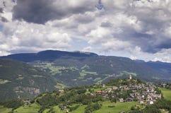 Dorf von Süd-Tirol stockfoto