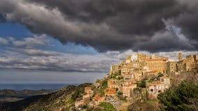 Dorf von Speloncato in der Balagne-Region von Korsika Lizenzfreie Stockfotos